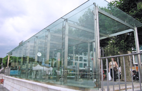 Techumbre exterior en cristal templado