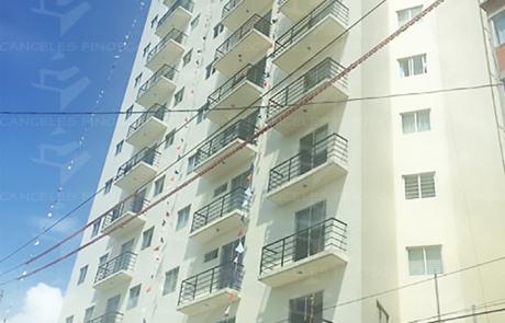 Ventanas y Ventanales en edificio residencial